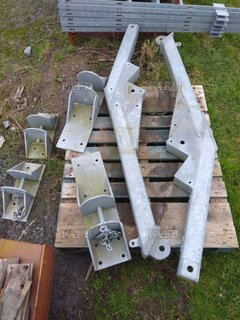 New galvanized spreaders brackets - ID:84106