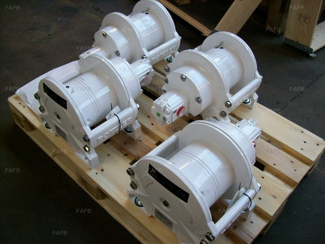 gilsen winches in stock . Fast delivery - picture 1