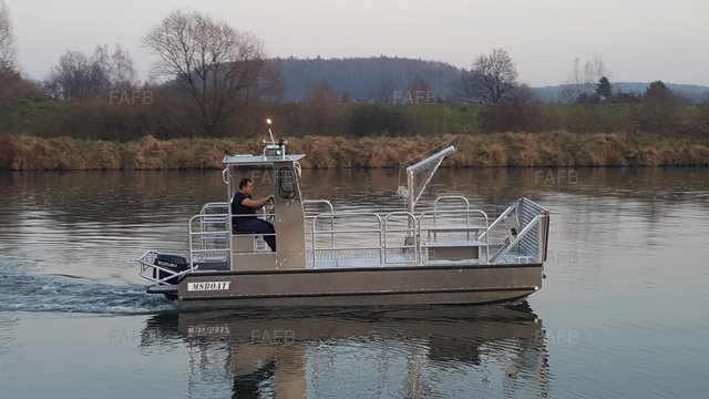 Mooring Workboat - picture 1
