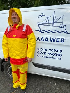 AAA CUSTOM MADE OILSKINS. WWW. AAAWEB. CO. UK - ID:112799