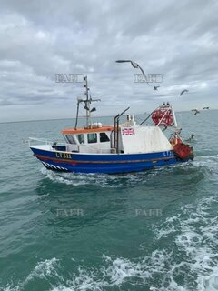 Trawler - Diana May  - ID:114852